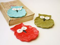 Owl Spoon Rest - Jewelry Tray Soap Dish - Choose Your Color - Tiffany Blue Olive Green Paprika Red - Ready to Ship. via Etsy. Owl Mug, Jewelry Tray, Stoneware Clay, Yellow And Brown, Hand Designs, Tiffany Blue, Handmade Pottery, Spoon Rest, Ceramic Pottery