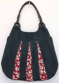 How to make bag from old jeans - Simple Craft Ideasblue jean stripes saw on red fabric.denim with red accents Use denim jeans and bright prints. Artisanats Denim, Denim Purse, Denim Bags From Jeans, Patchwork Bags, Quilted Bag, Bag Quilt, Sacs Tote Bags, Blue Jean Purses, Denim Handbags