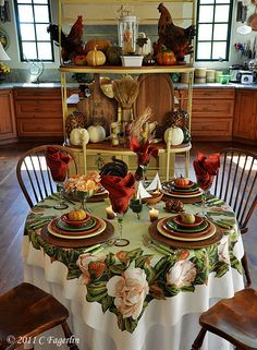 Fiesta® dinnerware Autumn tablescape | thelittleroundtable.com