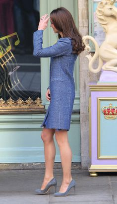I love the blue shoes that Kate Middleton has on.
