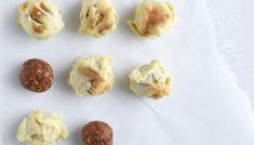 Fudgy dadelkugler med kakao og ristede nødder - Cathrine Brandt