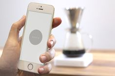 Bluetooth Coffee Scale Lets People Monitor The Brewing Process Remotely - PSFK #acaia #coffee #app
