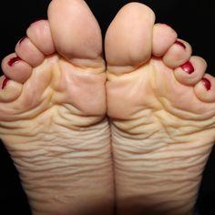 #mynameismonique #soles #softsoles #sexysoles #solesfetish #wrinkledsoles #feetsoles #toes #prettytoes #feetlovers #feetporn #sexyfeet #barefeet #beautifulfeet #perfectfeet #feetstagram #feetmodel #footmodel #footfetishgroup #foot #nicetoes #toes #piedi #pieslindos #pezinhosdeprincesa #higharches #footjob #feetfetishnation #fetishes #fetisch #footfetishbabe