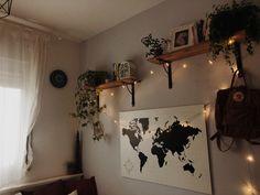 Room goals – Home Dekor Bedroom Plants, Room Decor Bedroom, Bedroom Ideas, Fairylights Bedroom, Cozy Bedroom, Tumblr Rooms, Room Inspo Tumblr, Tumblr Bedroom, Room With Plants
