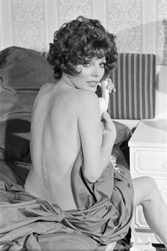 Joan collins nude fakes