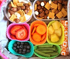 Even the pickiest of kids can't resist this Back To School Lunch Box Idea. Fresh fruit and veggies are paired with vanilla yogurt and Post Cereal.