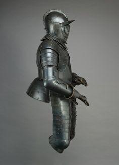 Cuirassier's Armor, early 1600s                                                Austria, early 17th century