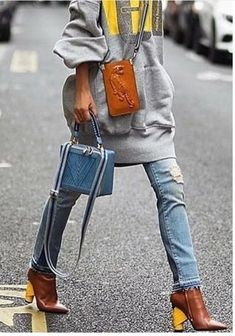 long gray sweatshirt, jeans with raw hem, brown boots with yellow heel, small cross body bag, struct All About Fashion, Love Fashion, Womens Fashion, Style Fashion, Looks Style, My Style, Style Blog, Estilo Street, Blue Handbags