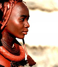 © All Rights Reserved, Christophe Paquignon This portrait was taken in North Namibia where I had the chance to share a few hours with a Himba tribe. Black Is Beautiful, Beautiful People, Namaste, Himba People, Pigmentation, African Tribes, Africa Fashion, People Of The World, Statue