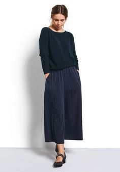 Our chic pinstripe swing-style culottes are a must-have this season. Designed to sit on your waist, pair with our pretty Lacey jumper and Amesbury shoes for easy elegance.