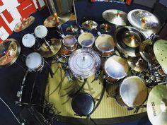 @alysson_rezende  #drumsview#drums#drumkit#drumset#percussion#drummer#percussionist#musician#drumstick#drum#drumming#drumlife#drumslife#drumporn#drumstagram#cymbals#drumsticks#lovedrums#instaview#art#rhythm#tempo#view#music#drumfam#instadrums#drumsfromabove#drumsetup by drumsview