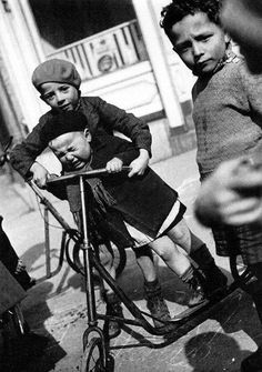 Robert Doisneau - The scooter lesson 1930s