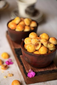 Just Try & Taste: Nastar Lembut, Lumer Dimulut Indonesian Desserts, Indonesian Cuisine, Asian Desserts, Indonesian Recipes, Appetizer Recipes, Dessert Recipes, Chinese New Year Cookies, Pineapple Tart, Malay Food