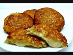 Potato pancakes stuffed with Camembert Vegetarian Breakfast Recipes Easy, Healthy Recipes, Czech Recipes, Ethnic Recipes, Potato Pancakes, Pancake Muffins, Party Finger Foods, Special Recipes, Food To Make