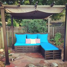Pallet patio furniture Made by Newlyweds Drew & Alicia out of Pallets for their new home <3
