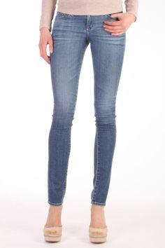 Deze jeans van AG is 70% katoen, 28% lyocell en 2% stretch. De fit is Skinny Straight, de stof is heel soepel en zacht. Jeans Aubrey Skinny Straight Adriano Goldschmied PVC1473 wash 18Y STN Adriano Goldschmied, Skinny Jeans, Fit, Pants, Fashion, Trouser Pants, Moda, Shape, Fashion Styles
