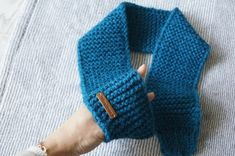 Scarf Hat, Knitting For Kids, Neck Warmer, Womens Scarves, Cowl, Diy And Crafts, Crochet Hats, Lady, Clothes