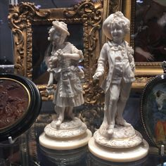 Antique classy, admirable, valued, high school european ivory carving / call Danilo 0039 335 6815268
