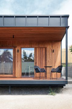 Studio Jackson Scott minimises waste in build of OCM House Timber Battens, Timber Cladding, Exterior Cladding, Design Balcon, Terrasse Design, Up House, House In The Woods, Building Costs, Building A House