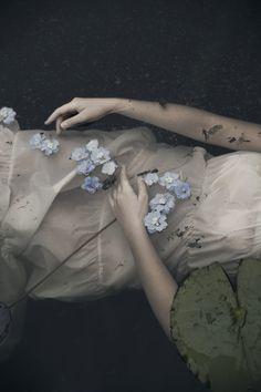 Ophelia: by Monia Merlo Foto Fantasy, John Everett Millais, Pre Raphaelite, Foto Art, Aragon, Writing Inspiration, The Darkest, Fairy Tales, Art Photography