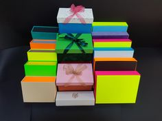 Gift Wrapping, Gifts, Color, Gift Wrapping Paper, Presents, Wrapping Gifts, Colour, Favors, Gift Packaging
