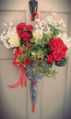 Nem számít, hogy milyen évszak van, a virágok mindig jókedvre derítenek minket és szebbé teszik a mindennapjainkat, ezért tartjuk őket a lakásunkban és a kertünkben is. Elgondolkodtatok már egyszer is azon, hogy milyen lenne a házatok bejárati ajtaja, ha virágokkal lenne feldíszítve? Ma szeretnénk bemutatni nektek, hogyan szépíthetitek a bejárati ajtót tulipánnal. Ezt a virágot...Olvasd tovább