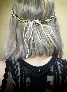 Headband trançado    Opção: Prata ou dourado.    Importante: em caso de dúvidas ou problemas, por favor, entre em contato conosco. Nossa equipe é totalmente voltada para oferecer a você o melhor atendimento.