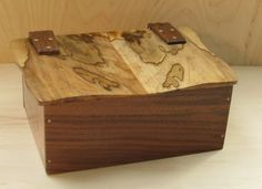 A beautiful box with wooden hinges inspired by friends Wooden Hinges, Box Hinges, Spalted Maple, Wood Boxes, Jars, Woods, Sandal, Projects To Try, Decorative Boxes