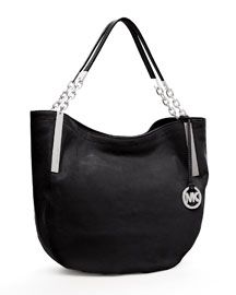Michael Kors Tote   Simple, classic and it will never go outta style. Ever.