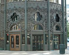Newly renovated entrance and facade of the Carson Pirie Scott & Co. store designed by Louis Sullivan. Located at One South State Street in Chicago, Illinois. In 2012 this space became a Target store. Chicago School, Chicago City, Chicago Illinois, Chicago Street, Chicago Usa, Amazing Architecture, Art And Architecture, Architecture Details, Historical Architecture