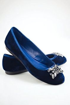 8c84faa96bd3 Buy Lauren by Ralph Lauren Women s Blue Adelisa Jeweled Velvet Flat.