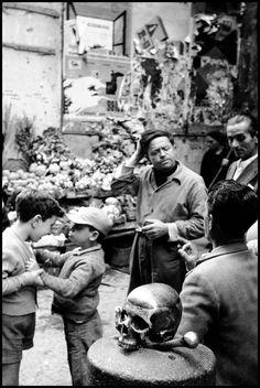 Leonard Freed ITALY. Naples. 1958. Outside a church.