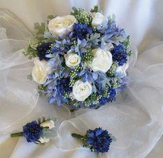 Wow wow ... was für ein schöner Brautstrauß! ☺ Warme Blautöne sind meine Lieblingsfarben! ☺