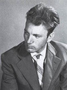 Thomas Bernhard escrutando el mundo en su sillón de orejas