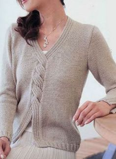 Women's Hand Knit V-neck Sweater - Stricken Ideen Hand Knitted Sweaters, Sweater Knitting Patterns, Knitting Designs, Knit Patterns, Wool Sweaters, Baby Knitting, Winter Sweaters, Sweaters For Women, Pull Long
