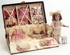 Wendy Lawton Artist Doll - Mignonette and her Malle du Voyage (Masterpiece Series)1999