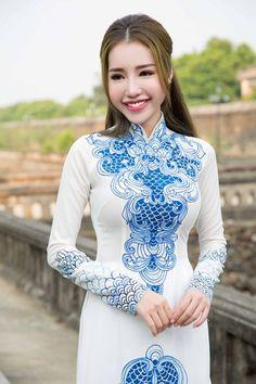 Elly Trần hút mọi ánh nhìn với áo dài giữa kinh thành Huế - Ảnh 2