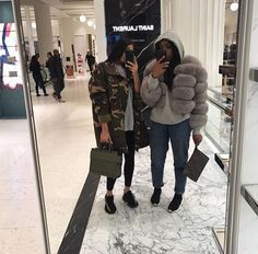 Best Sweatshirt Collections – Best Fashion Advice of All Time Go Best Friend, Best Friend Outfits, Best Friend Goals, Best Friends, Flipagram Instagram, Fille Gangsta, Sisters Goals, Look Girl, Oversized Jacket