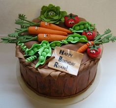 Vegetable Garden Cake with cute character veggies! Pretty Cakes, Cute Cakes, Fondant Cakes, Cupcake Cakes, Vegetable Garden Cake, Vegetable Gardening, Allotment Cake, Decors Pate A Sucre, Veggie Cakes