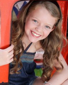 """Actress Jade Pettyjohn talked to me about her role as McKenna in the new American Girl movie """"McKenna Shoots for the Stars."""""""