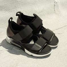 5c7054b81fcc LUNATIC Trainer Sandals from ASH Official Collection are just what you need  this