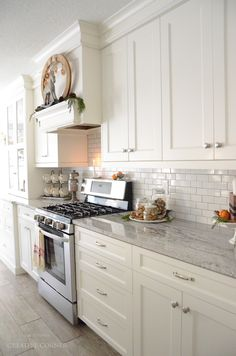 Modern White Kitchen Remodels For A Stunning Space Kitchen Redo, Home Decor Kitchen, New Kitchen, Home Kitchens, Kitchen Remodel, Kitchen Dining, Dining Rooms, Dining Room Cabinets, Kitchen Cabinets To Ceiling