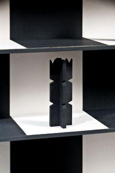 Mit der freundlichen Unterstützung der Firma Fedrigoni hatten wir die Möglichkeit auch die passenden Figuren zum Schachspiel anzufertigen. 3 Schichten Material wurden verklebt und anschließend mit dem Laser geschnitten. Material Sirio Color von Fedrigoni. Design und Fertigung von deroberhammer.com