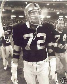 John Matuszak - Oakland Raiders Welcome to Raider Nation the big Bad Black and Silver Nfl Raiders, Oakland Raiders Football, Raiders Baby, Nfl Football, School Football, Baseball, John Matuszak, Raiders Players, Raiders Stuff