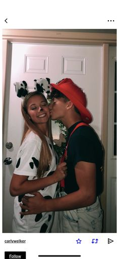 Is it Halloween and you want to dress up with your lover in one of the couple Halloween costumes that are out there? You can't just head down to your . Cute Couples Costumes, Cute Group Halloween Costumes, Trendy Halloween, Halloween Outfits, College Couple Costumes, Cute Couples Goals, Couple Goals, Halloween Parejas, Halloween Kleidung