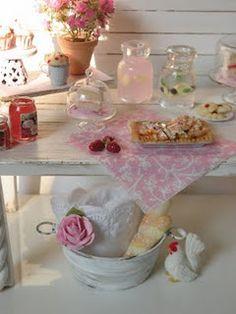 A mini summer tray
