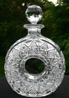 RARE LIFEBUOY DECANTER SIGNED HAWKES 1401PATTERN AMERICAN BRILLIANT CUT GLASS NR Baccarat Crystal, Crystal Glassware, Crystal Decanter, Cut Glass, Glass Art, Lifebuoy, Antique Glassware, Crystal Shop, Bottle Vase