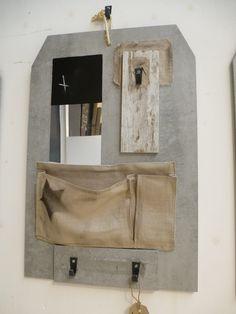 membord steigerhout variant, met spiegel en krijtbord en beige zak