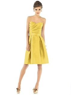 Alfred Sung Style D538 Sample: Daffodil, size 12     $