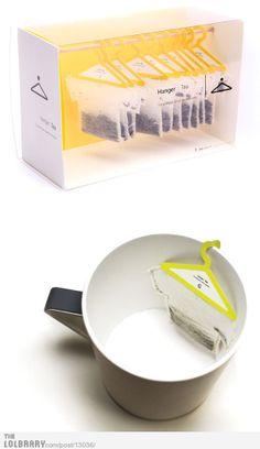Cette image parce que nous avons des amateurs de thé dans le groupe! Voici un design créatif et pratique et ça attire l'oeil! un sachet qui ne tombe plus! Enfin !-Fonctions: Technique: praticité d'utilisation et de rangement. Le portant à thé est pratique. Environnement: packaging écologique. Communication :véritable impact visuel, cela pousse à l'achat. La marque se différencie par sa créativité et sa praticité d'utilisation.